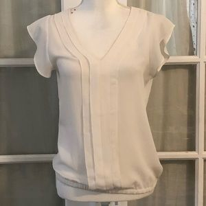 Express ivory flutter sleeve v neck pleated top XS